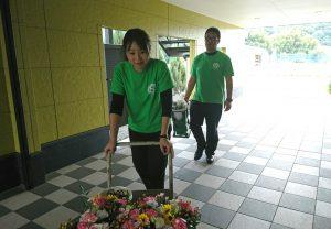 お花の搬入